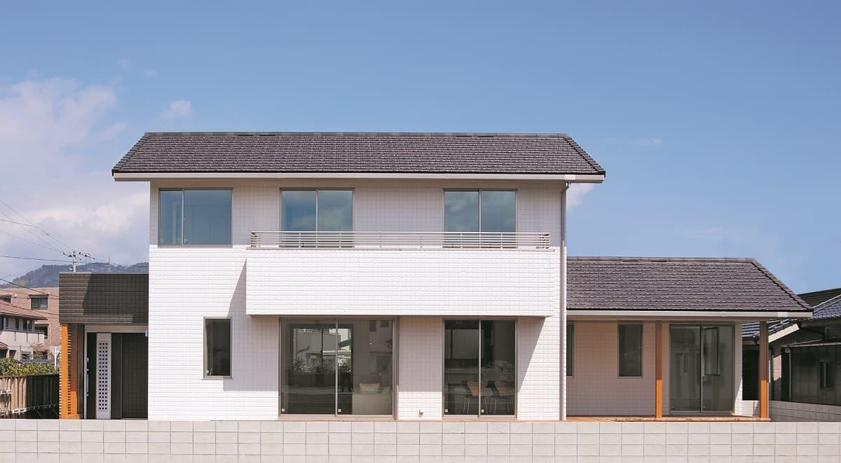 施工事例 6 広々ウッドデッキが魅力的。スタディルームのある家【切妻の家シリーズ】