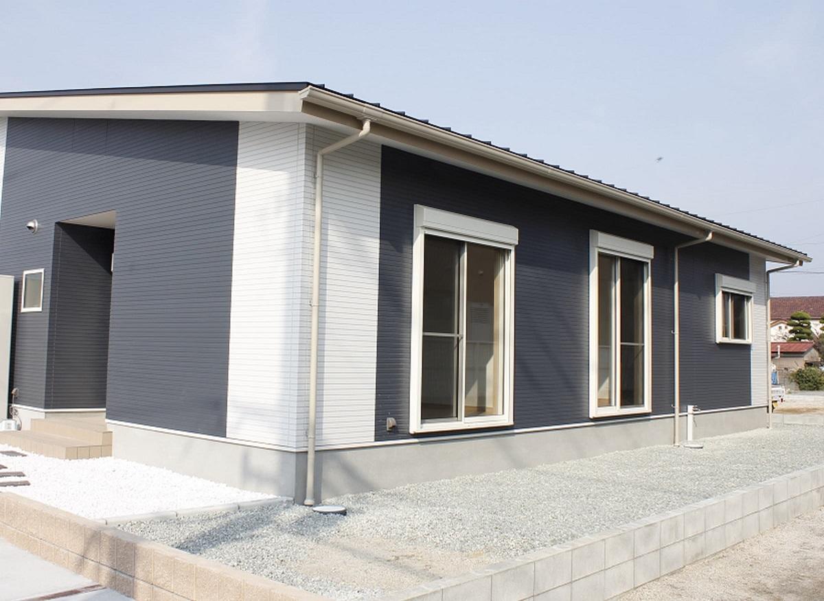 施工事例 3 スタイリッシュかつスタンダードデザインの平屋の家